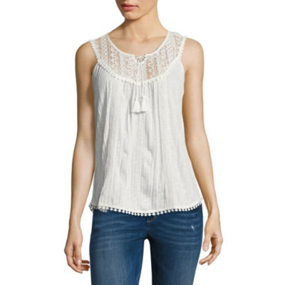 Almost Famous Sleeveless Split Crew Neck Woven Blouse-Juniors