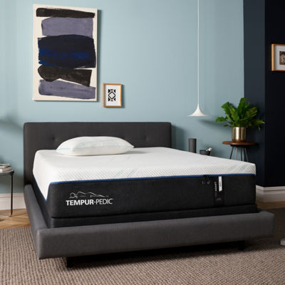 Tempur-Pedic Tempur-Proadapt Plush Tight-Top Memory Foam Mattress + Box Spring