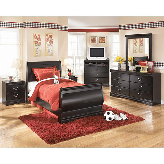 Signature Design By Ashley® Guthrie 4-Pc Bedroom Set