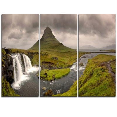 Designart Kirkjufell Waterfalls In GrundarfjordurLandscape Triptych Canvas Art Print