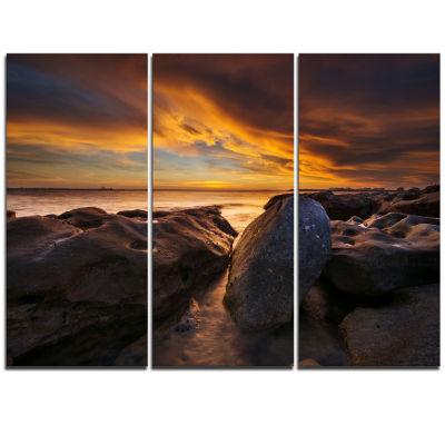Designart La Perhouse Beach Sydney Seascape Triptych Canvas Art Print