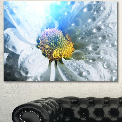 Designart Large White Flower With Raindrops FloralCanvas Art Print - 3 Panels
