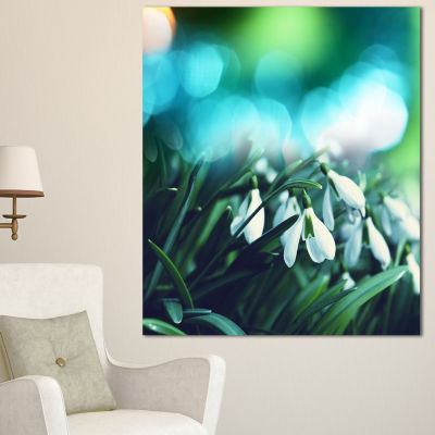Designart Little White Flowers On Green LandscapeWall Art On Canvas
