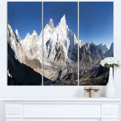 Designart Mount Everest Glacier Panorama LandscapePrint Wall Artwork