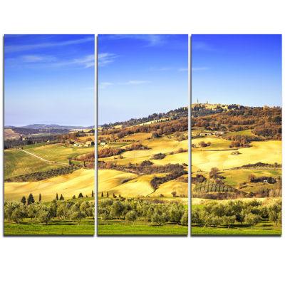 Designart Pienza Medieval Village Italy OversizedLandscape Wall Art Print