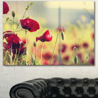 Designart Poppy Flowers On Green Background FloralCanvas Art Print - 3 Panels