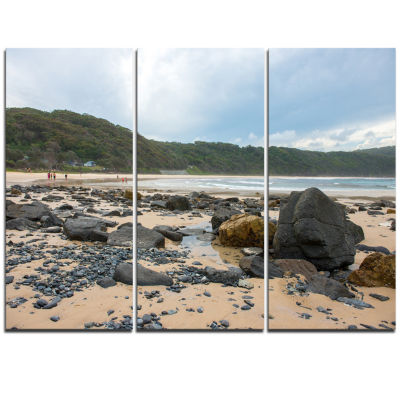 Designart Pretty Beach With Small And Big Rocks Large Seashore Triptych Canvas Print
