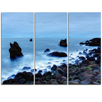Designart Rocky Coast Near Raykjanes Blue Extra Large Seashore Triptych Canvas Art