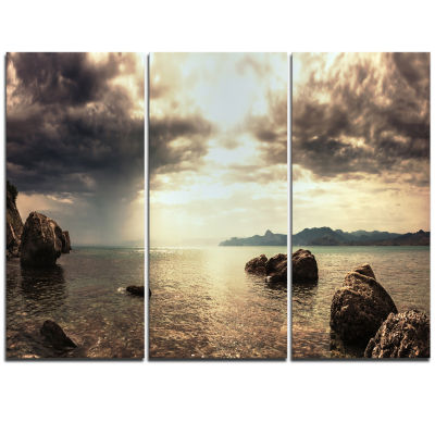 Designart Rocky Seashore Under Clouds Panorama Modern Beach Triptych Canvas Art Print