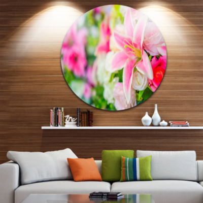 Design Art Beautiful Lily Flowers in Bouquet UltraGlossy Floral Metal Circle Wall Art