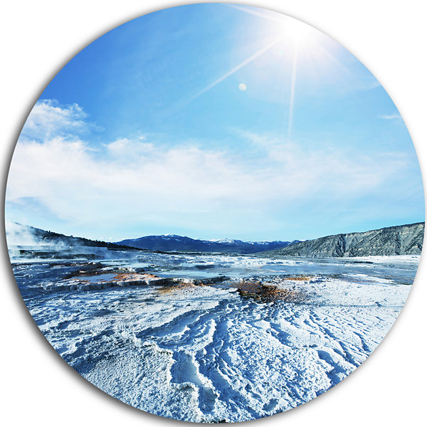 Design Art Hot Sprint under Bright Sunlight BeachMetal Circle Wall Art