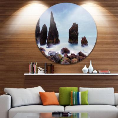 Design Art Sharp Rocky Coastline Raykjanes Extra Large Seashore Metal Circle Wall Art