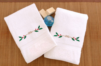 Linum Home Embroidered Hand Towels With Holly Border (Set Of2)