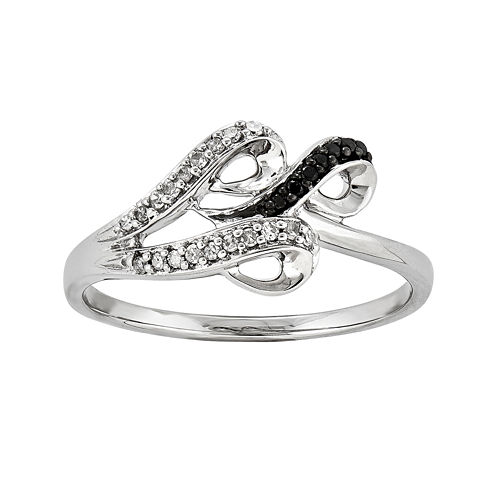 1/10 CT. T.W. White and Color-Enhanced Black Diamond Swirl Ring