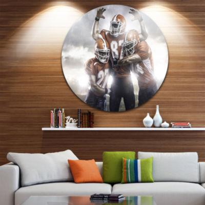 Design Art American Footballer in Action Disc Sport Circle Metal Wall Art