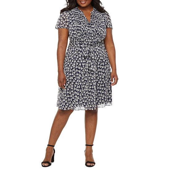 MSK-Plus Short Sleeve Floral Fit & Flare Dress
