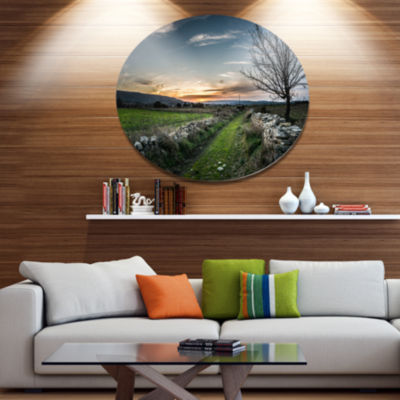 Design Art Rocky Fences in Green Grassland Disc Extra Large Landscape Metal Circle Wall Art