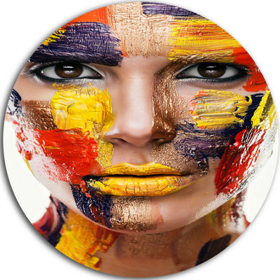 Design Art Woman with Colorful Face Disc Contemporary Circle Metal Wall Art