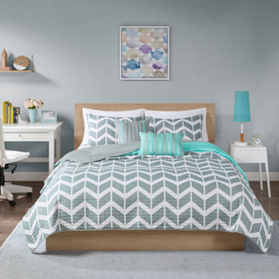 Intelligent Design Laila Chevron Coverlet Set