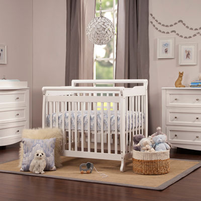 DaVinci Emily 2-in-1 Mini Crib and Twin Bed in White