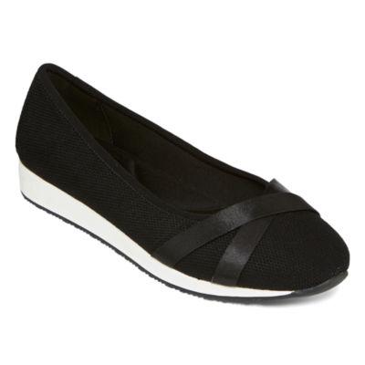 St. John's Bay Womens Abene Slip-On Shoe Closed Toe