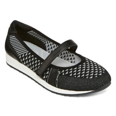 St. John's Bay Womens Allura Slip-On Shoe Closed Toe