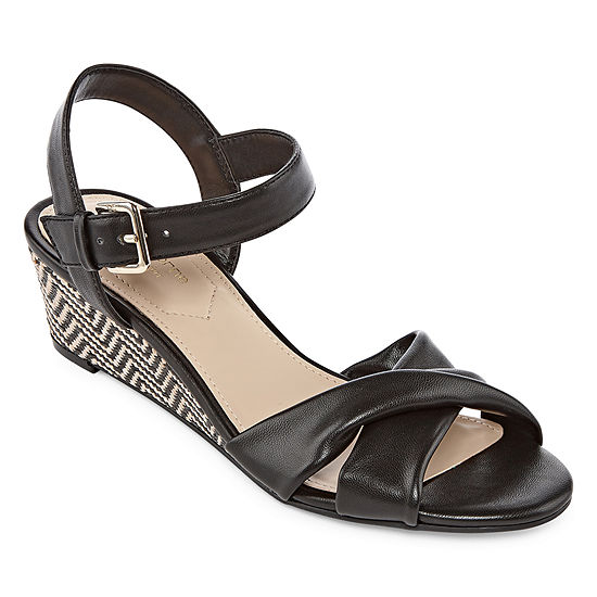 Liz Claiborne Womens Sewell Wedge Sandals Wide Width