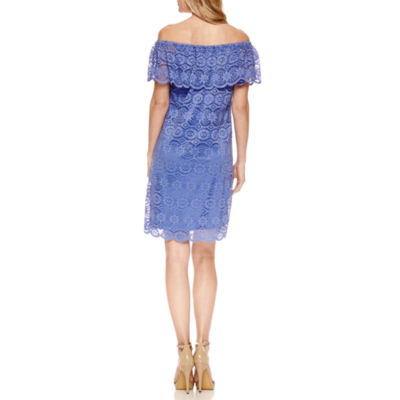 Ronni Nicole Off the Shoulder Lace Shift Dress