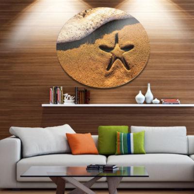 Designart Starfish on Beach with Waves Disc LargeBeach Large Metal Circle Wall Art