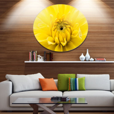 Designart Yellow Chrysanthemum Gold Flower Disc Flower Artwork on Large Metal Circle Wall Art