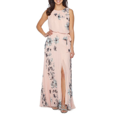 Premier Amour Sleeveless Maxi Dress