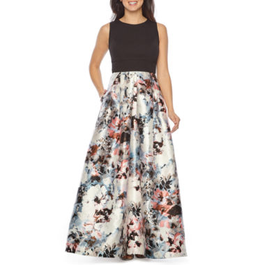 Melrose Sleeveless Floral Evening Gown