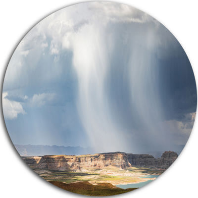 Designart Lake Powell under Clouds Landscape RoundCircle Metal Wall Art