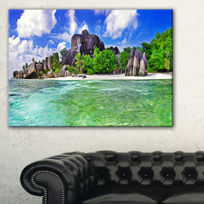 Designart Amazing La Diguse Island Seychelles Canvas Art