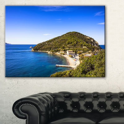 Designart Blue Seashore At Elba Island Canvas Art