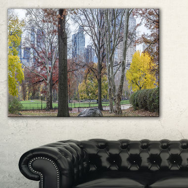 Designart Central Park New York City In Autumn Canvas Art