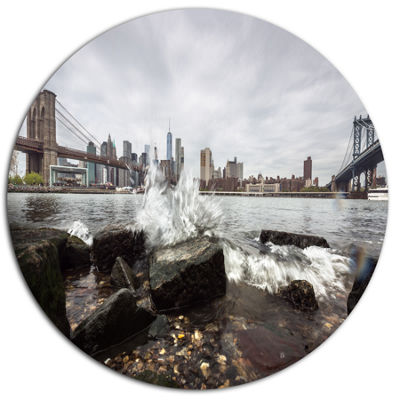 Designart Skyline with Brooklyn Manhattan BridgesDisc Large Cityscape Metal Circle Wall Art