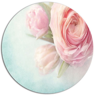 Designart Pink Flowers against Blue Background Disc Floral Metal Circle Wall Art