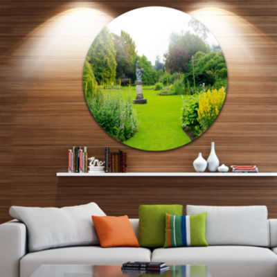 Designart Plant and Flowers in Garden Landscape Round Circle Metal Wall Art