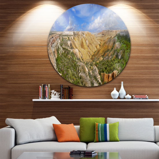Designart Canyon on Slopes of Plateau Ustyurt Landscape Round Circle Metal Wall Art