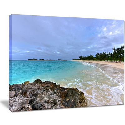 Designart Clearwater Beach Bermuda Canvas Art