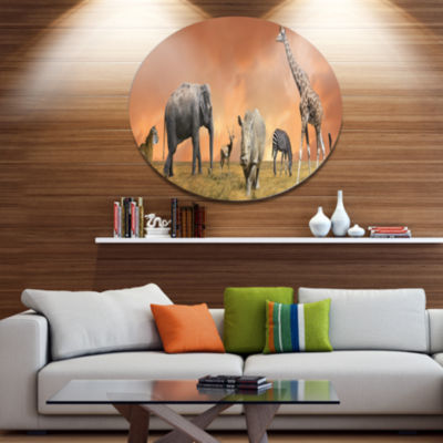 Designart Savannah Wildlife PanoramaAfrican MetalCircle Wall Art