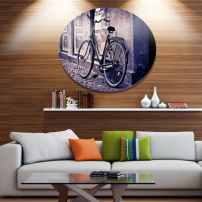 Designart Classic Vintage City Bicycle Disc Landscape Metal Circle Wall Art