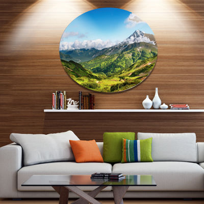 Designart Mountains with Extinct Volcano Disc Landscape Metal Circle Wall Art