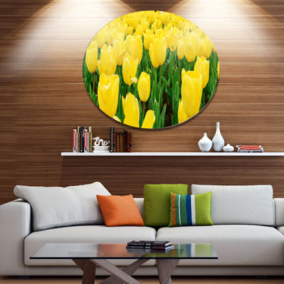 Designart Bright Tulip Flowers in Garden Disc Floral Metal Circle Wall Art