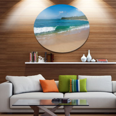 Designart Green Wave on Sandy Paradise Beach DiscSeashore Metal Circle Wall Art
