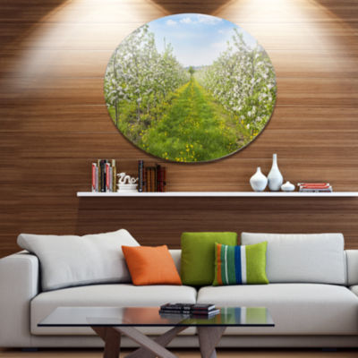 Designart Bloomy Peach Forest Photography Disc Floral Metal Circle Wall Art