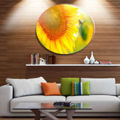 Designart Beautiful Sunflowers Blooming Disc LargeAnimal Metal Circle Wall Art