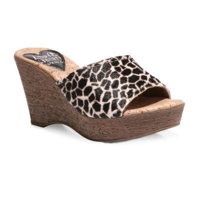 Love And Liberty Womens Mckenzie Wedge Sandals