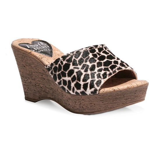Love And Liberty Womens Mckenzie Wedge Sandals
